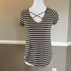 Cross cross neck t xs